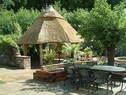 Hotels door Kevin Cooper Garden Design
