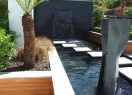 Taman by Kevin Cooper Garden Design