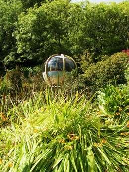 modern Garden by Kevin Cooper Garden Design