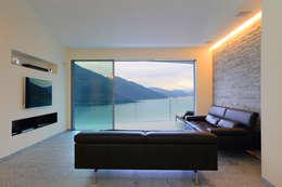 Aldo Rampazzi Studio di Architettura: modern tarz Oturma Odası