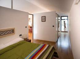 DMP arquitectura: modern tarz Yatak Odası