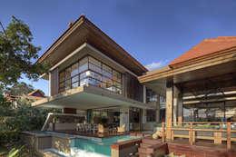 Casas de estilo moderno por Metropole Architects - South Africa