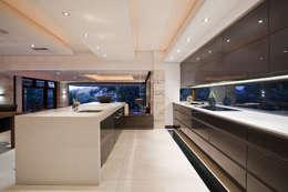 Projekty,  Kuchnia zaprojektowane przez Metropole Architects - South Africa