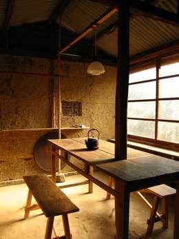 Ruang Multimedia by 高原正伸建築設計事務所 一級建築士事務所