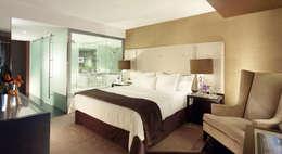 modern Bedroom by Larforma