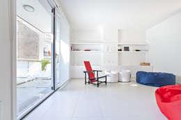 mini appartamento AG: Case in stile  di studio di architettura Antonio Giummarra