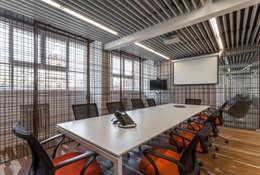 Oficinas Acindar: Oficinas y Tiendas de estilo  por ATV Arquitectos