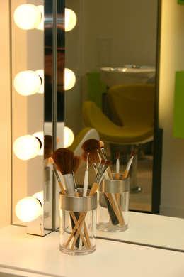 Espejos de camerino para una casa de cine for Espejo camerino bano