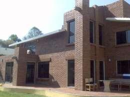 Residencia Ajusco: Terrazas de estilo  por CESAR MONCADA S