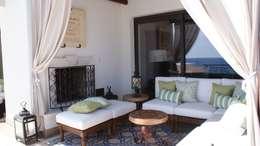 OUTDOOR LIVING LOS CABOS BY DIAZ DE LUNA: Terrazas de estilo  por DIAZ DE LUNA SIGNATURE
