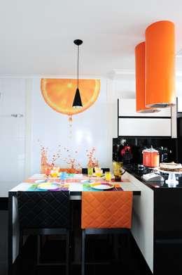 Cucina in stile in stile Moderno di Adriana Scartaris design e interiores