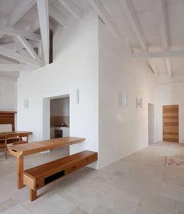 Una casa sul mare siciliano for Luce arredo modica