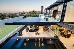 Nico Van Der Meulen Architects : modern tarz Evler
