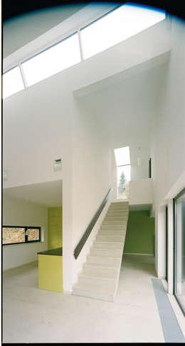 Salon de style de style Moderne par F29 ARCHITEKTEN GMBH