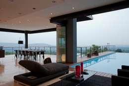 modern Pool by Nico Van Der Meulen Architects