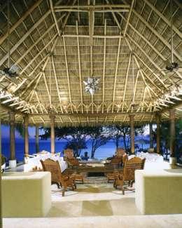 Hoteles de estilo  por BR  ARQUITECTOS