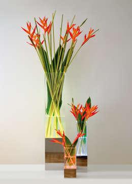 Vase lampe: Maison de style  par DB design