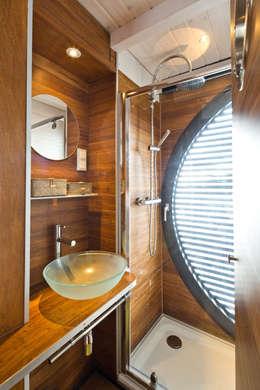 Yates y jets de estilo  por Nautilus Hausboote GmbH