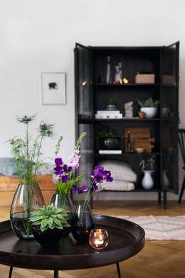 Skandinavische Wohnträume: moderne Wohnzimmer von desiary.de Fine Living Accessoires