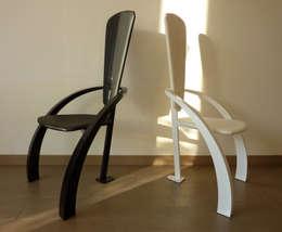 Chaise design Triangle: Salon de style de style Moderne par La Stylique
