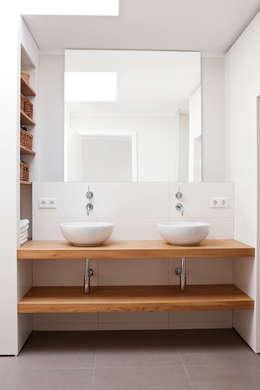 moderne Badkamer door in_design architektur