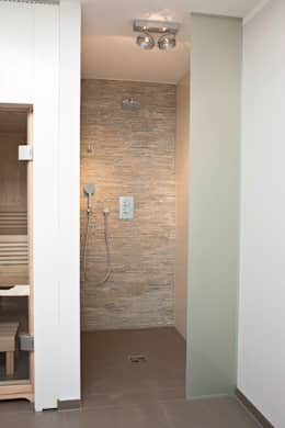 moderne Badkamer door in_design architektur