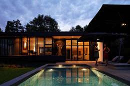 Maison C: Maisons de style  par Lode Architecture