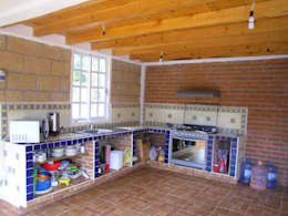 rustic Kitchen by JRK Diseño - Studio Arquitectura