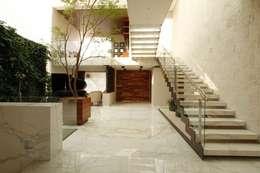 Residencial Villa Magna: Hogar de estilo  por Mobiliario y Equipo MEE