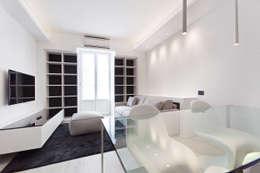 Salones de estilo moderno de Arch. Andrea Pella