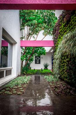 Casa Marilola: Jardines de estilo ecléctico por Urban Landscape