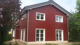 Projekty, skandynawskie Domy zaprojektowane przez eMKo-Conzeptbau