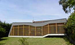 Гостиная в . Автор – Handouche architectes