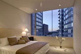 Residencial WTC México D. F.: Recámaras de estilo moderno por Illux de México