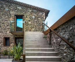 Casas do campo e fazendas  por ZEST Architecture