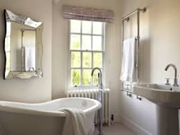 Baños de estilo  por Concept Interior Design & Decoration Ltd