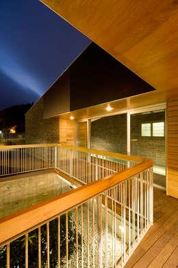 Terrasse de style  par equipo olivares