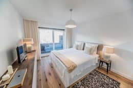 DUESSELDORF MODEL APARTMENT: ausgefallene Schlafzimmer von edit home staging