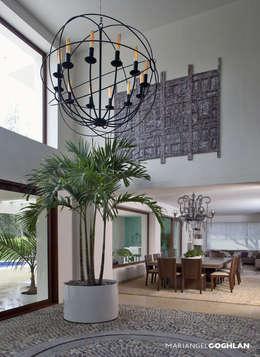 Terraza interior: Terrazas de estilo  por MARIANGEL COGHLAN
