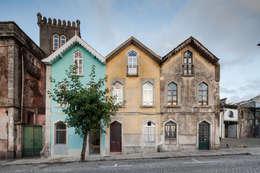 Casas de estilo ecléctico por Tiago do Vale Arquitectos