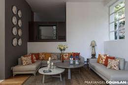Livings de estilo moderno por MARIANGEL COGHLAN