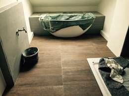 modern Bathroom by Badeloft GmbH