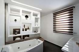 modern Bathroom by Laboratorio di Progettazione Claudio Criscione Design