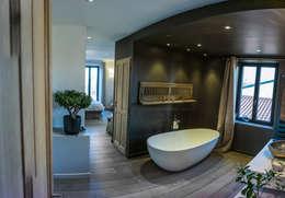 14 badkamers met houten elementen die je niet mag missen. Black Bedroom Furniture Sets. Home Design Ideas