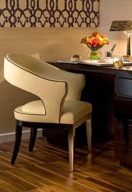 Bureau de style de style Classique par Roselind Wilson Design