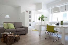 minimalistische Arbeitszimmer von ZAHARA architecture biolab