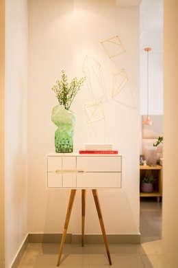 Recámaras de estilo moderno por Bloom Arquitetura e Design