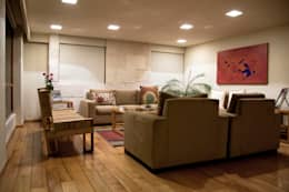 P.H. Bosque de Tejocotes.: Salas de estilo moderno por REM Arquitectos