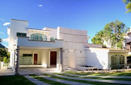 classic Houses by Excelencia en Diseño