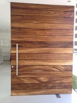 Puertas de madera 10 ideas sensacionales for Puertas de madera modernas para exterior